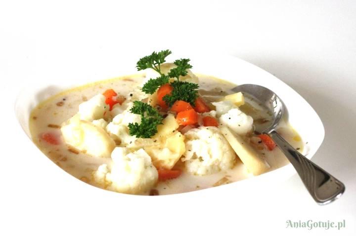 Delikatna zupa z kalafiorem, 1