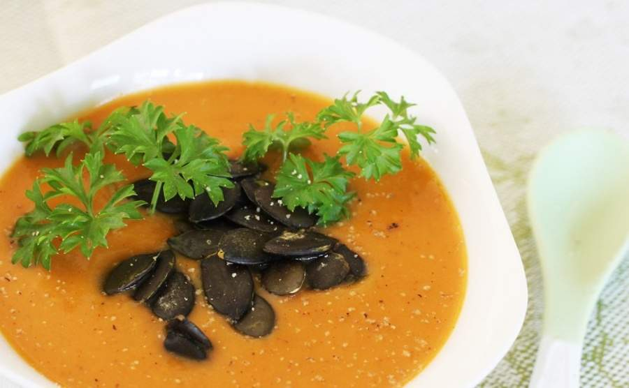 Kremowa zupa z dyni i batatów