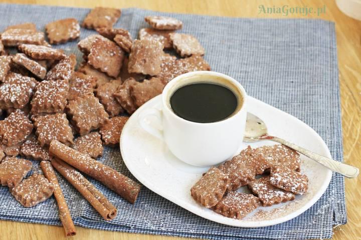 Ciasteczka korzenne do kawy, 1