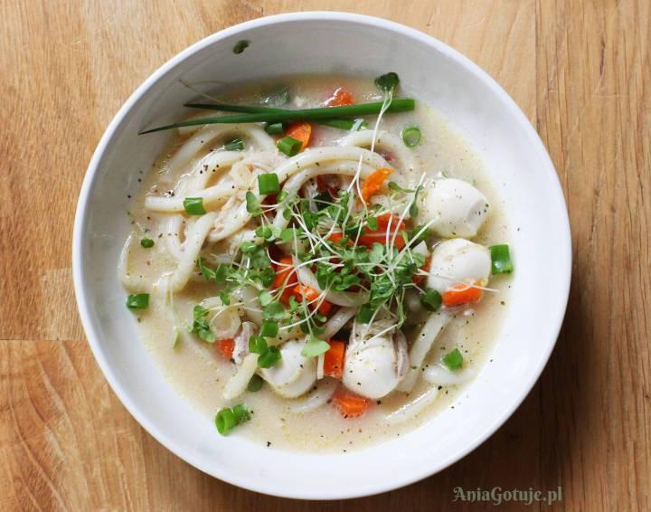 Rosół orientalny z makaronem Udong, 1