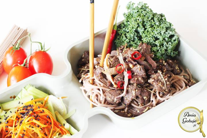 Wołowina orientalna z makaronem Soba, 1