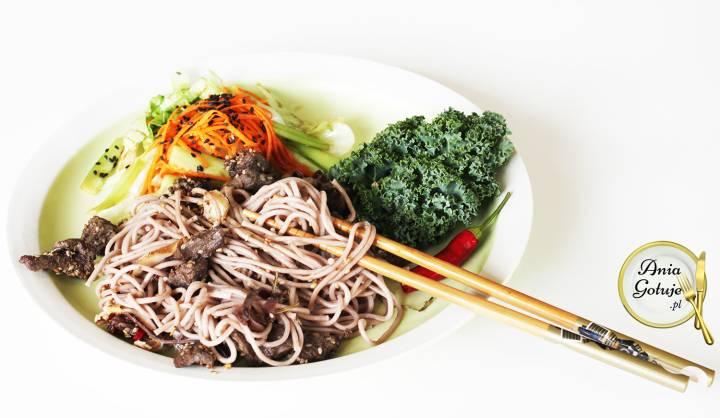 Wołowina orientalna z makaronem Soba, 2