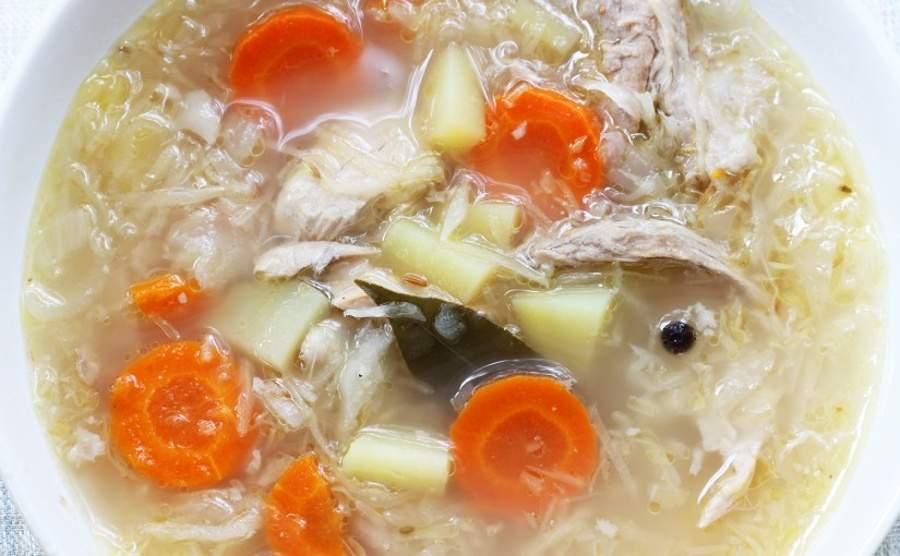 Zupa kapuśniak na żeberkach