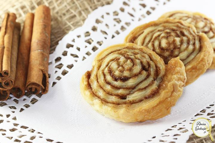 Ślimaczki cynamonowe z ciasta francuskiego, 1