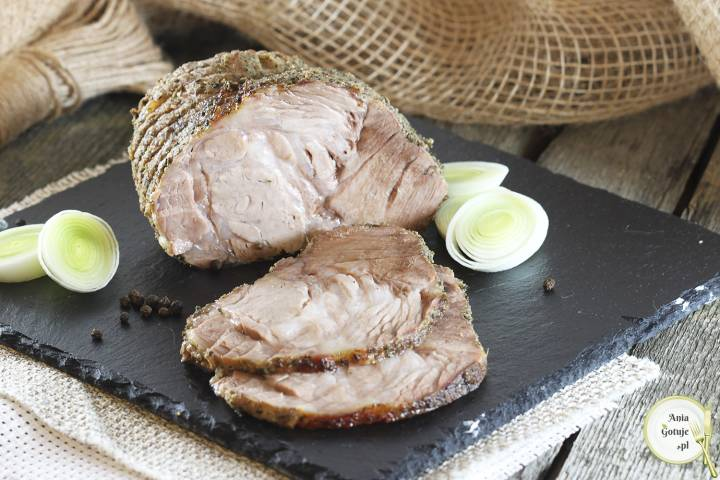 Karkówka pieczona na soli, 1