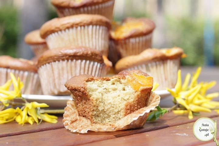 Muffiny bezglutenowe z brzoskwiniami, 3