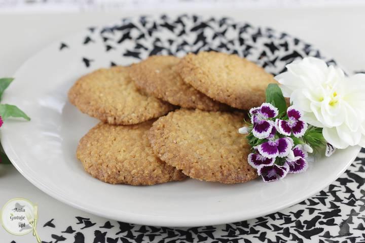 Chrupiące ciasteczka z płatków jaglanych i kokosa, 1