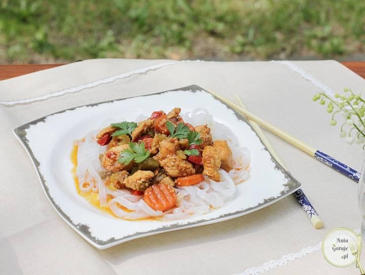 Chińszczyzna z kurczakiem i szparagami, 1