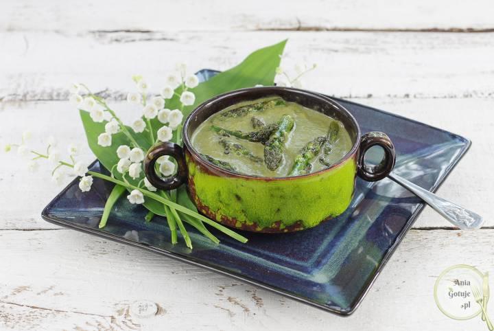 Zielona zupa krem ze szparagów, cukinii i szpinaku, 1