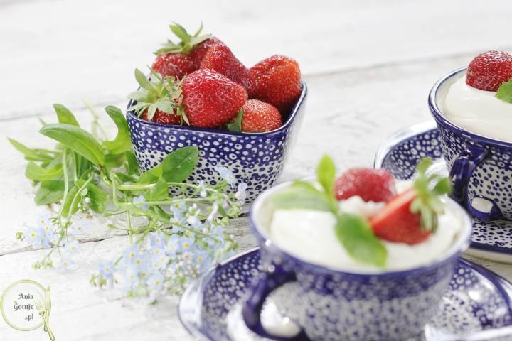 Prosty deser z mascarpone i owocami, 3