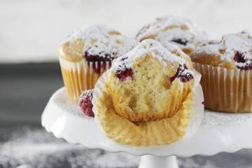 Proste muffiny z malinami, bez cukru