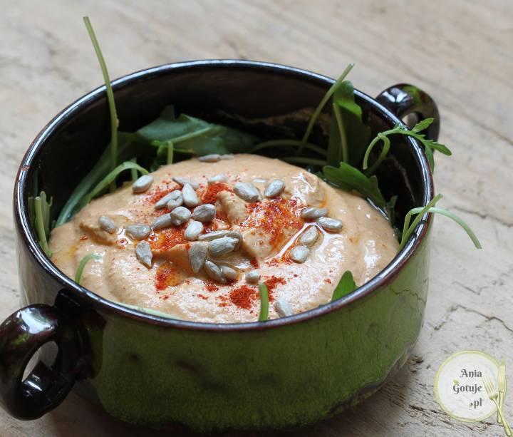 Szybki hummus paprykowy, 1
