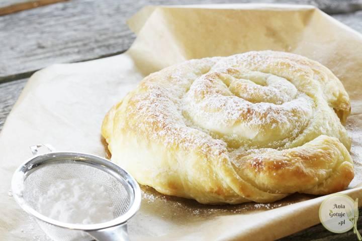serowe-gniazdko-z-ciasta-francuskiego-1