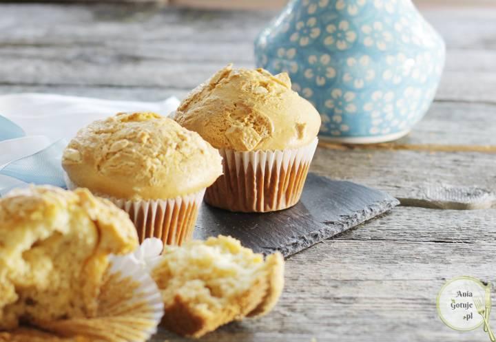 Mleczne muffiny z białą czekoladą, 1