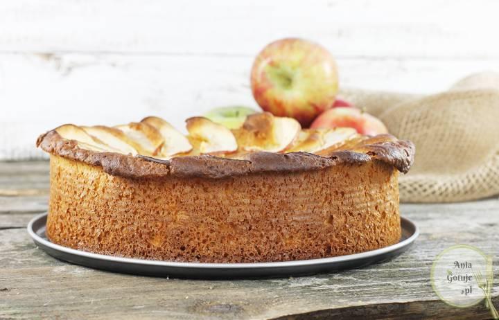 Ciasto drożdżowe z parasolką z jabłka, 1
