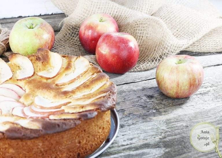 ciasto-drozdzowe-z-parasolka-z-jablka-2