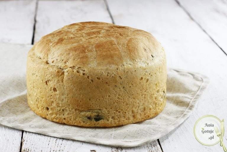 leniwy-chleb-pszenny-ze-szpinakiem-1