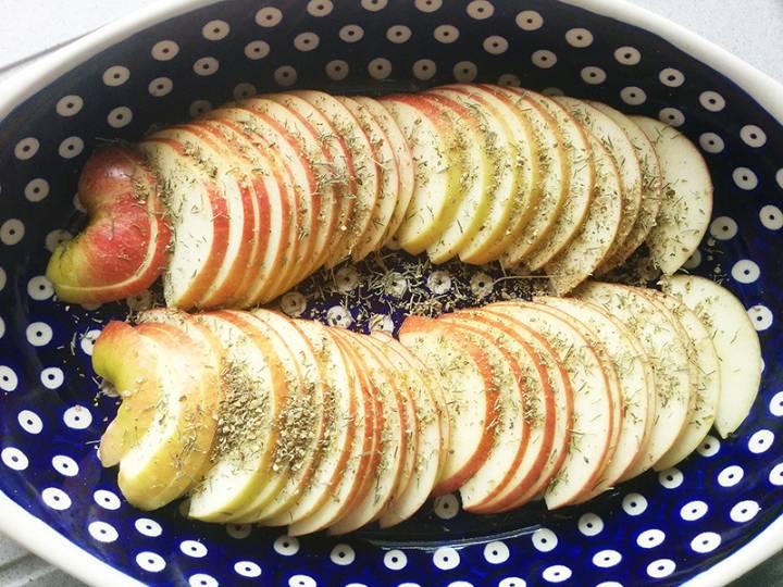 Kacze nogi pieczone na jabłkach, 2