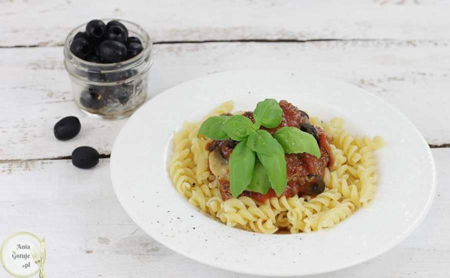 Wołowina z makaronem po grecku