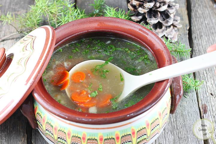 Wigilijna zupa z karpia, 2