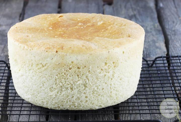 Delikatny chleb pszenny z garnka, 2