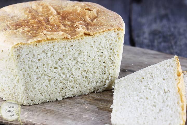Delikatny chleb pszenny z garnka, 1