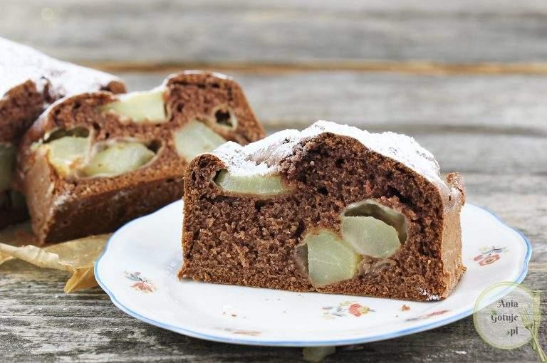 ciasto-kakaowe-z-gruszkami-1
