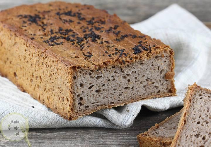Domowy chleb gryczany z czarnuszką, 1