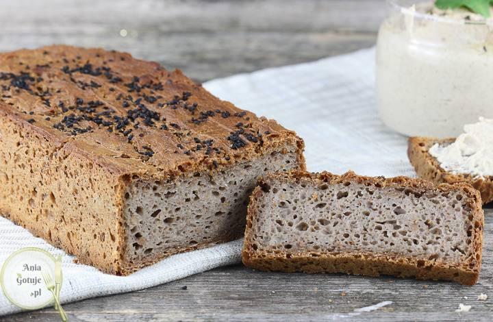 Domowy chleb gryczany z czarnuszką, 2