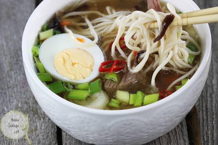 Zupa Ramen wołowy, 2