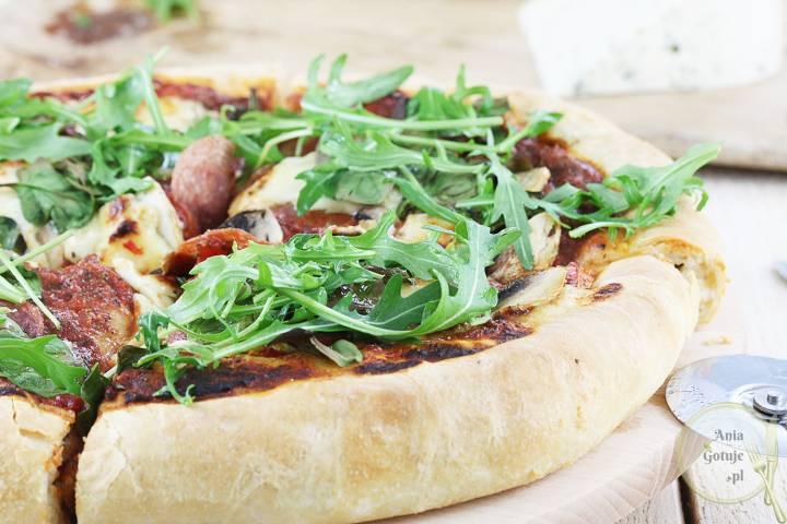 Puszysta pizza Korycińska, 4