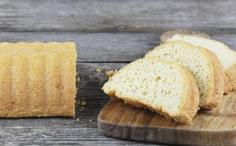 Keto słone ciasto migdałowe