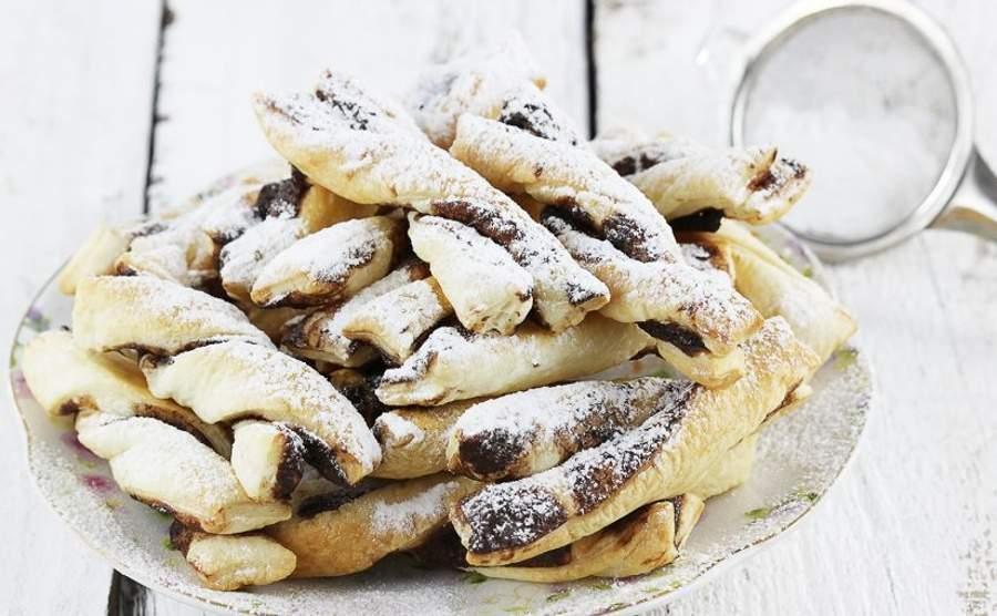 Czekoladowe spiralki z ciasta francuskiego