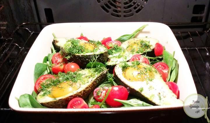 Awokado pieczone z jajkiem, 1