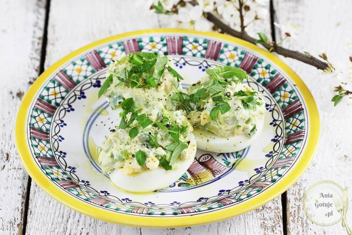 Jajka faszerowane awokado i szczypiorkiem, 1