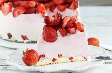 Ciasto truskawkowy puch