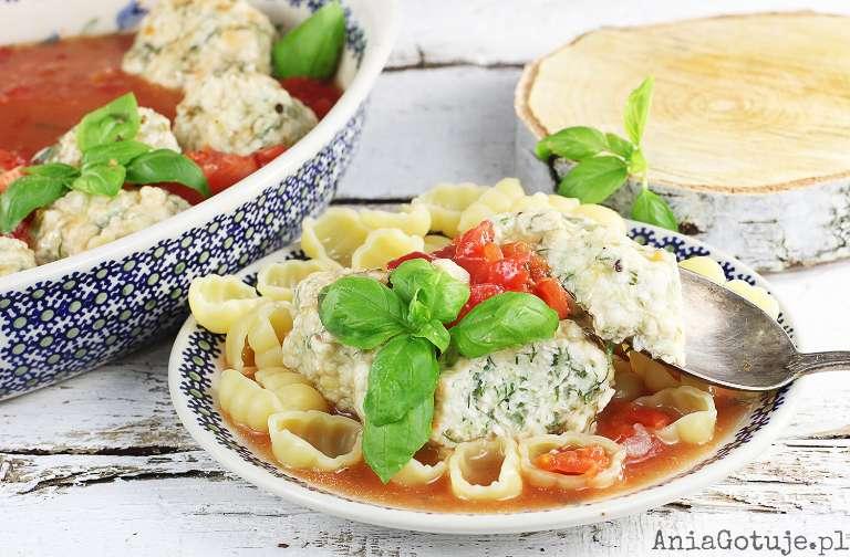 pulpety-z-kurczaka-w-sosie-pomidorowym-1