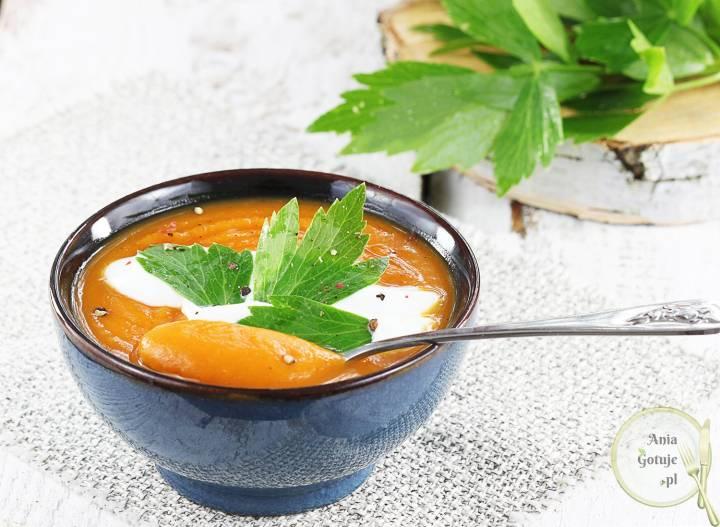 Delikatna zupa krem z batatów, 1