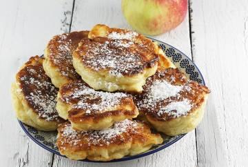 Racuchy drożdżowe z jabłkiem