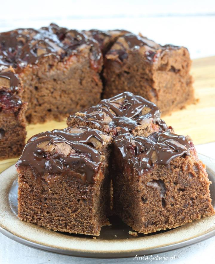 Ciasto czekoladowe z konfiturą ze śliwek, 1