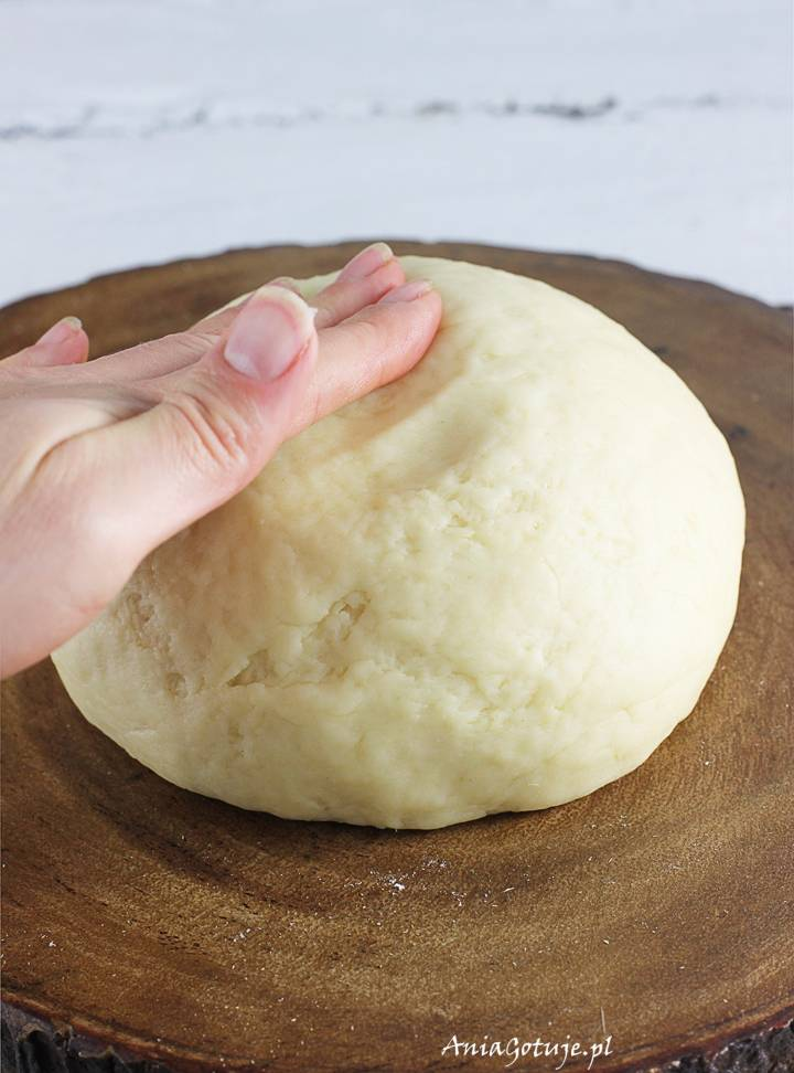 Jak zrobić ciasto na pierogi z masłem i jajkiem, 1