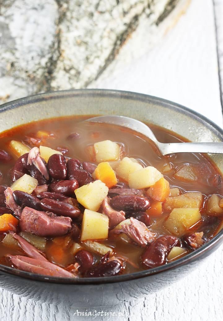 Węgierska zupa fasolowa, 1
