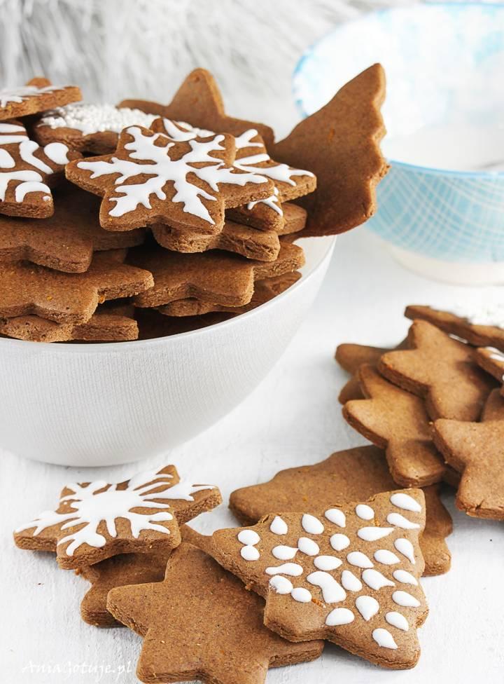 Pierniczki świąteczne z miodem, 1