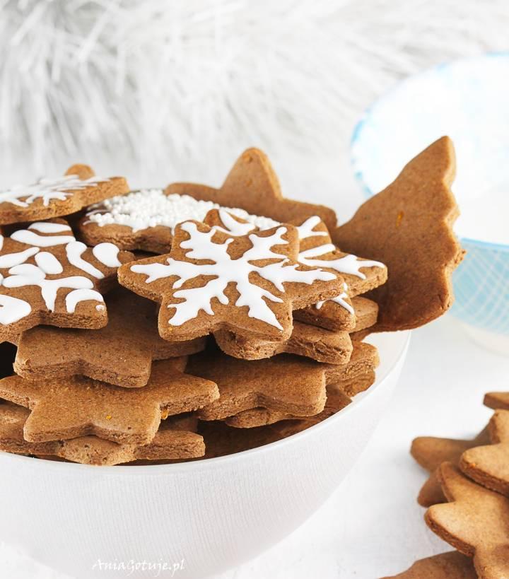 Pierniczki świąteczne z miodem, 2