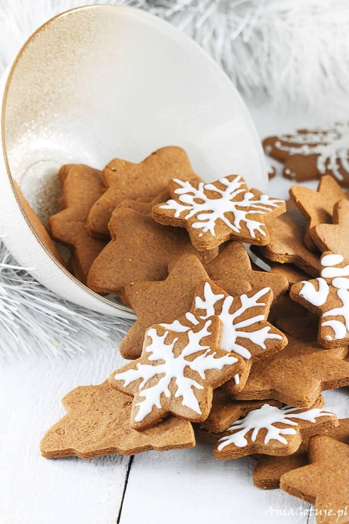 Pierniczki świąteczne z miodem, 3