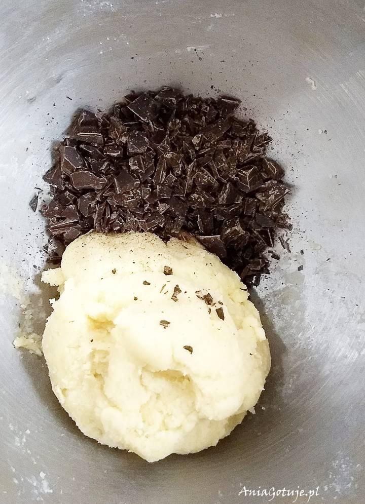 Kruche ciastka maślane z czekoladą, 3