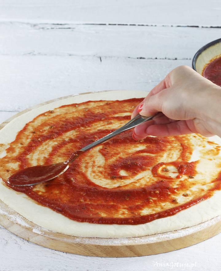 Pizza z szynką parmeńską i kaparami, 4