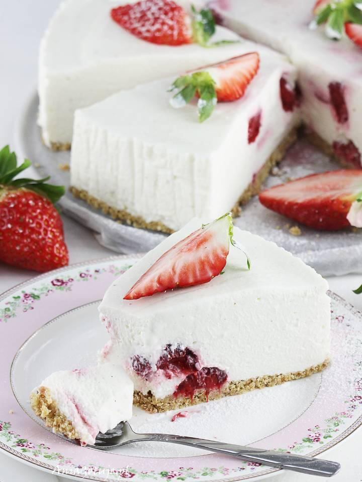 Sernik na zimno z białą czekoladą i truskawkami, 14
