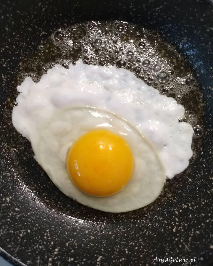 Jak zrobić jajko sadzone , 2