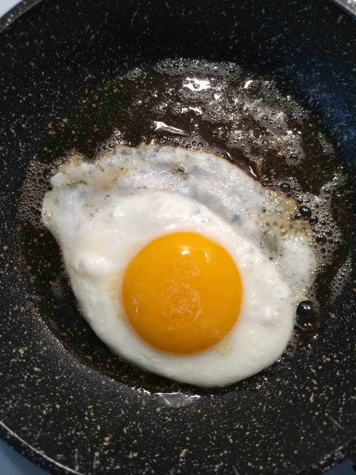 Jak zrobić jajko sadzone , 3